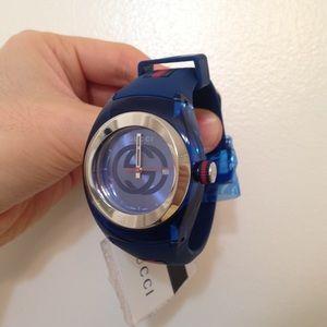 Authentic Gucci rubber sync strapwatch